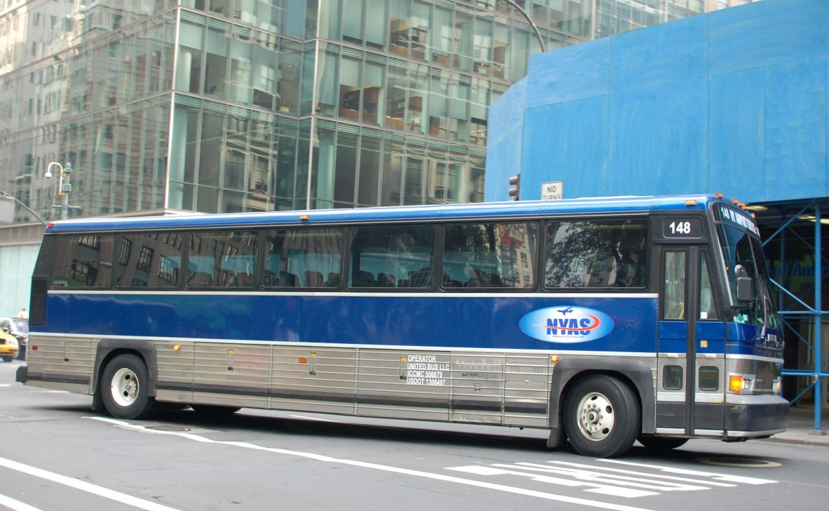 Buses + Coaches MCI Motor Coach Industries since 1933 Des ...
