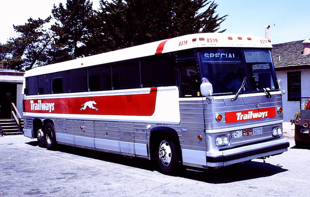 Trailways bus 8519 (MCI MC-9)