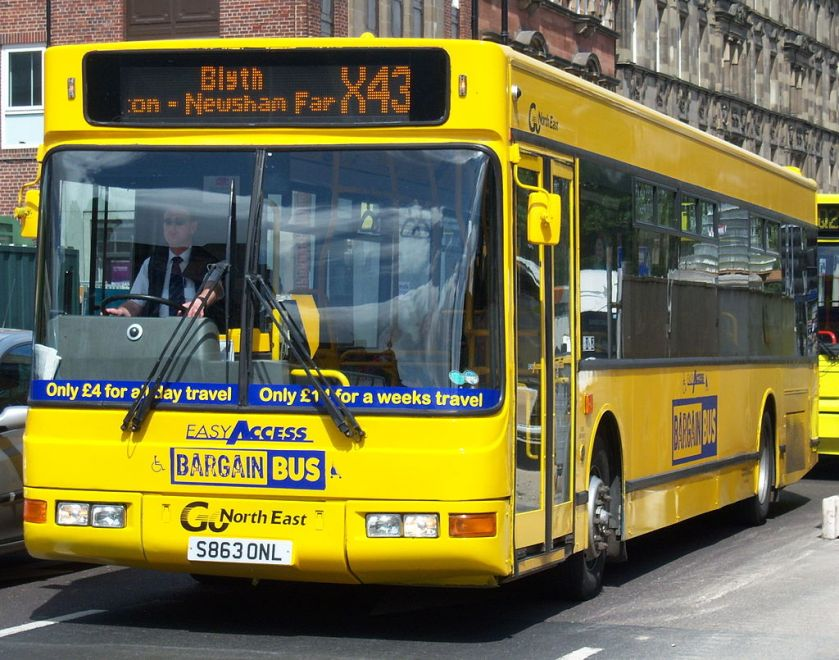 00j Go_North_East_bus_4863_DAF_SB220_Plaxton_Prestige_S863_ONL_Bargain_Bus_livery_in_Newcastle_9_May_2009