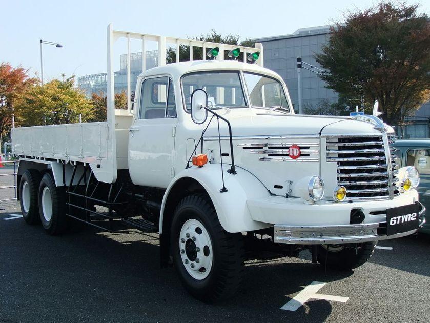 01 Nissan Diesel, 6TW12, White Truck