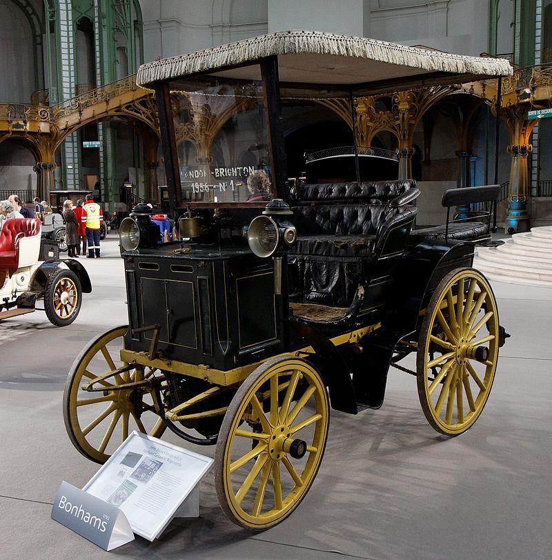 10 1996 110 ans de l'automobile au Grand Palais Panhard et Levassor Wagonette 2cyl 4 CV