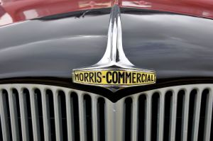 1024px-Morris_Commercial_1939_Truck_Rougham_Airfield,_Wings,_Wheels_and_Steam_Country_Fair_(2)