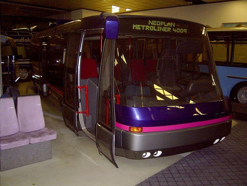 14 Neoplan metroliner carbon