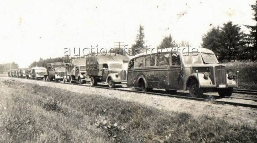 1935 Opel Blitzbus35 vordenbombenangriff