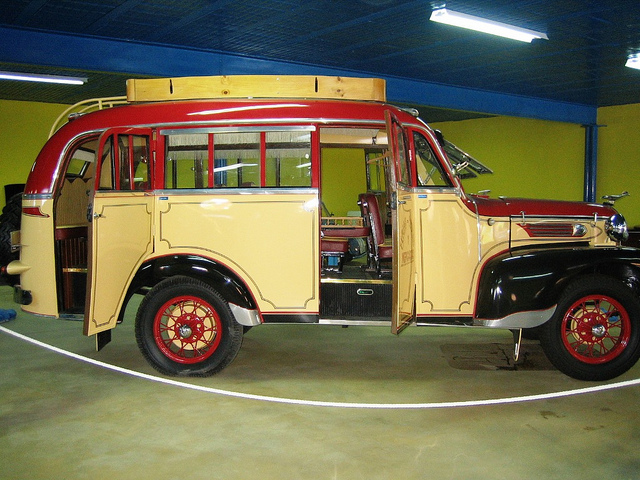 1936 HISPANO SUIZA-Bus