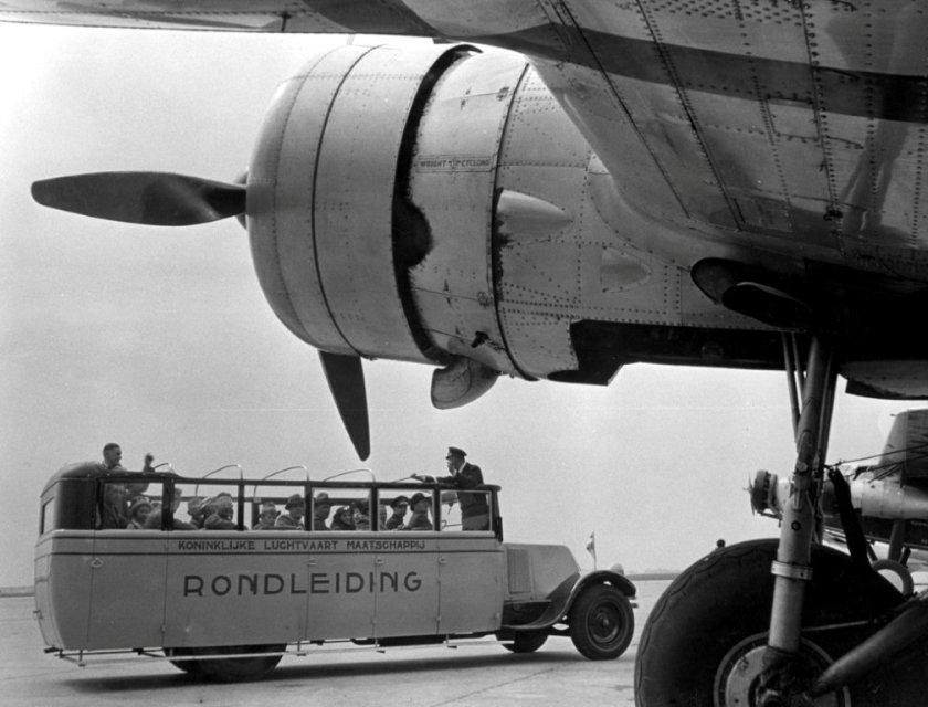 1936 Neoplan-den Oudsten uit 1974 KLM Rondleiding in de 30-er jaren