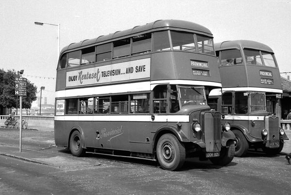 1939 AEC 0661 Regent with a Park Royal H30-26R body