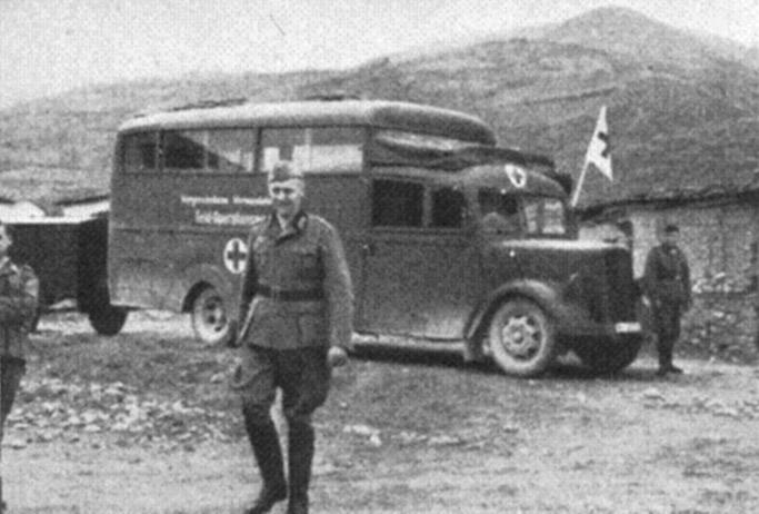 1939 Opel Blitzbus 83 operationsroom