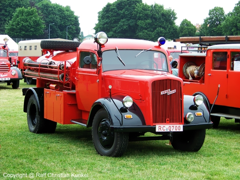 1940 tankloeschfahrzeug-tlf-1543-auf-opel-106263