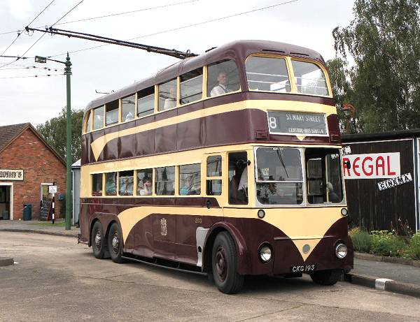 1942 AEC 664T with NCME H38-32R body