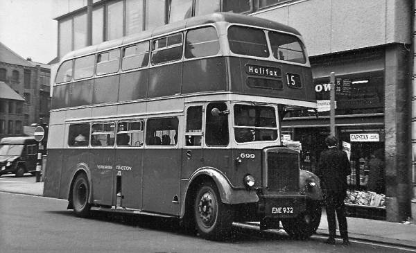 1953 Leyland PD2-12 with Northern Counties L27-28R body