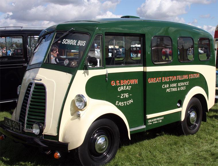 1954 Morris Commercial Schoolbus