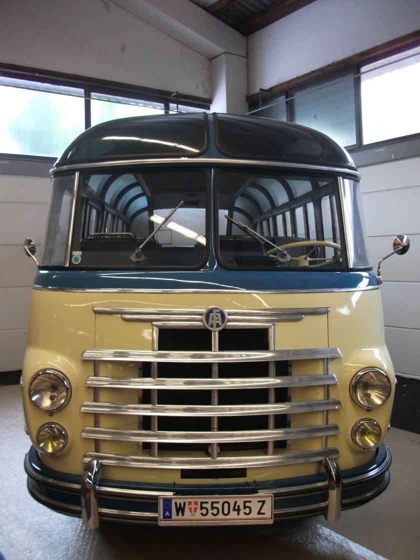 1955 ÖAF bus, ccw.cz front