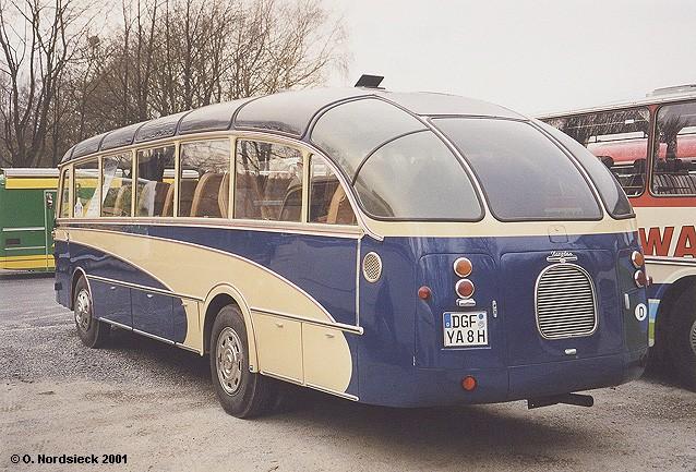1956 Neoplan SH 30 Stromlinienbus - Heckansicht
