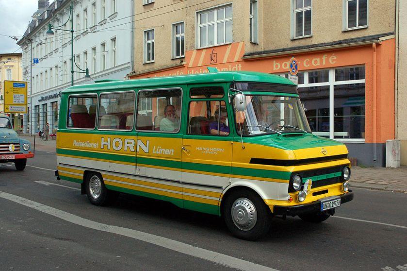 1965 Bedford-Blitz, 2009 in Eberswalde als historisches Fahrzeug
