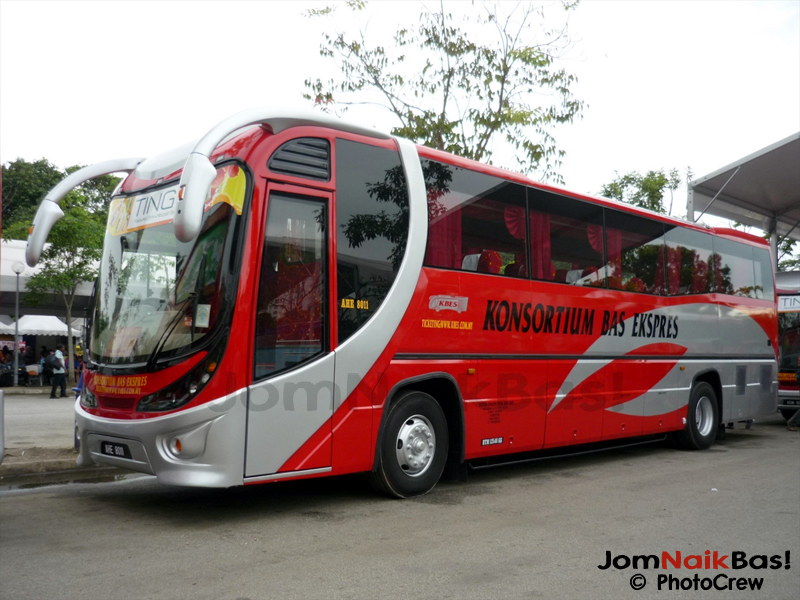 2013 Nissan JA452S coaches