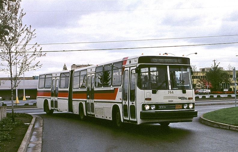 Portland Crown-Ikarus bus in 1993, r459f11