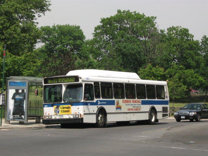 7 MTA New York City Bus Orion V CNG 9831