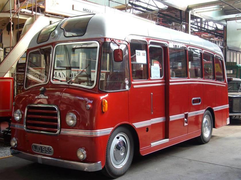 AJD959-Morris Comercial-Felix