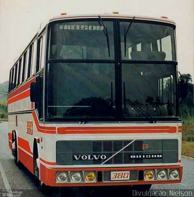 carroceria Nielson Diplomata 380, chassi Volvo B58