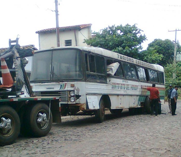 Mercedes-Benz LPO 1113 - Nielson Diplomata (en Paraguay) - Santa Rita del Monday