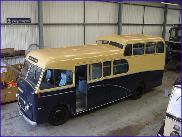 Morris Band Bus 14 LFC 01b