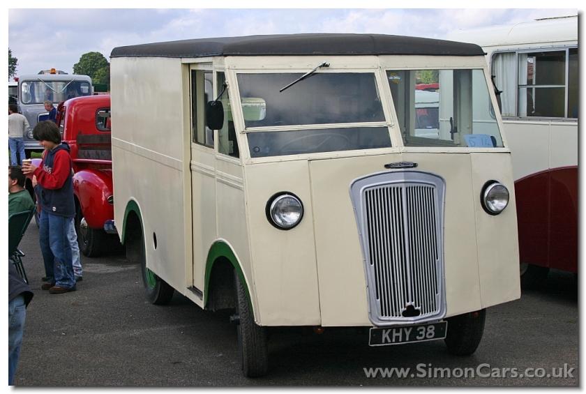 Morris-Commercial PV type van