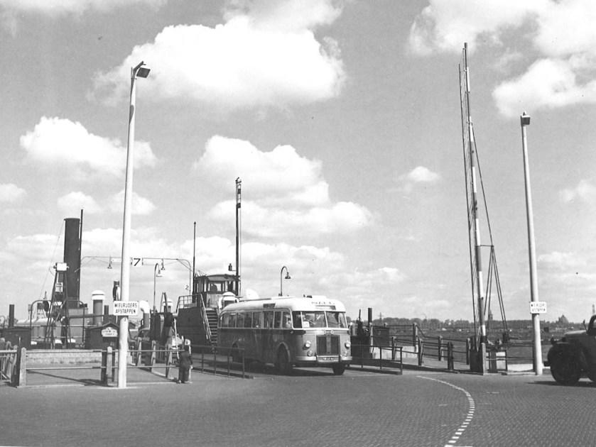 NACO 2049, Lijn W, Pont Velsen (1955)