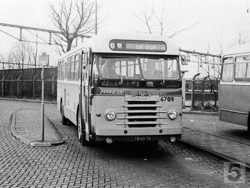 NACO Alkmaar 6709, Lijn 106, Stationsplein Alkmaar (1972) DAF
