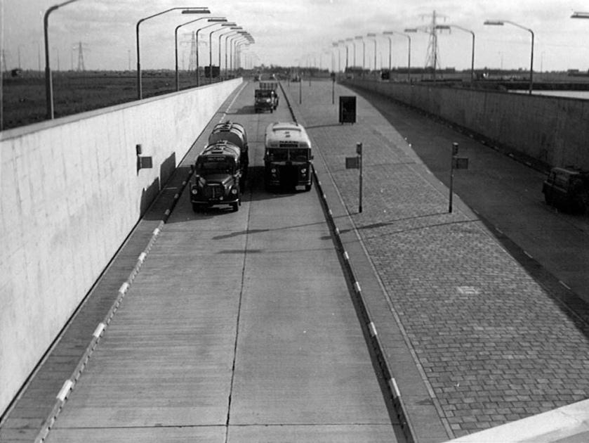 NACO Alkmaar, Velsertunnel, Beverwijk (1957)