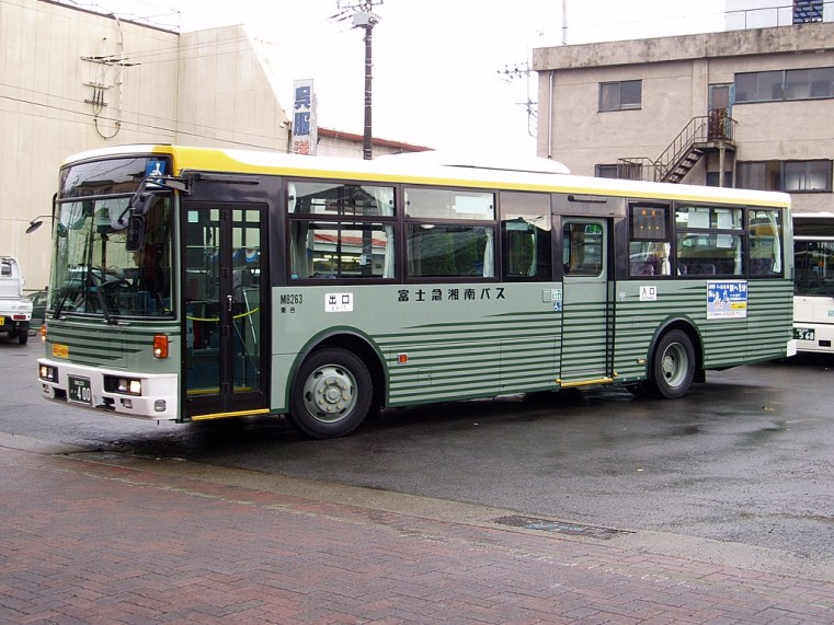 Nissan KL-UA452PAN Fujikyu shonan m8263