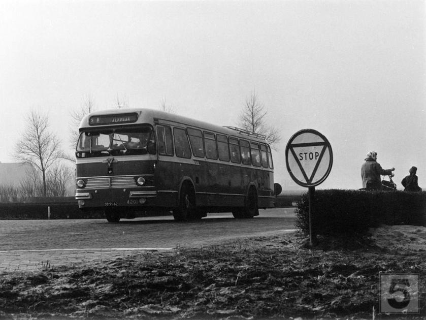 NTM Leeuwarden 4201, Lijn SB, Terpstraat Wieringermeer (1960)