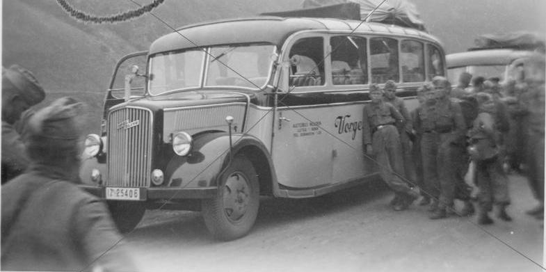 Opel-Blitz 3,6-47 bus