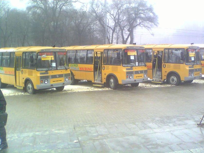 PAZ school buses Chisinau 02