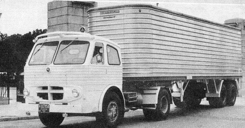 Pegaso Truck met oplegger
