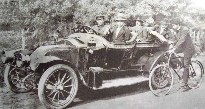 1909 Renault AVA