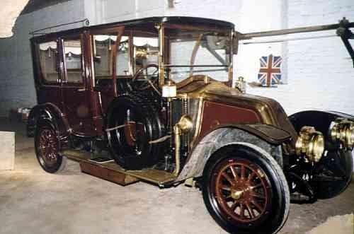 1912 Renault limo