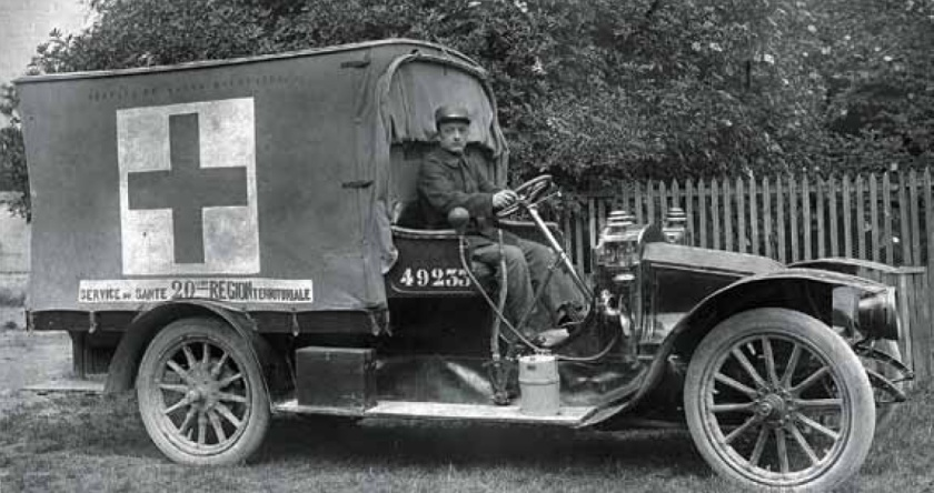 1914 Renault Ambulance