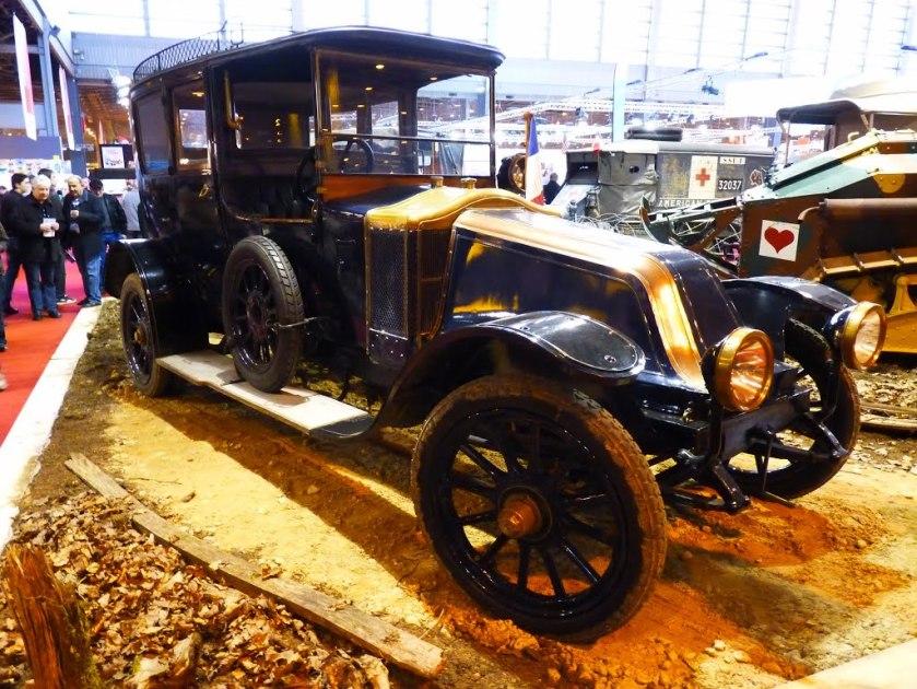 1915 Renault 4x4