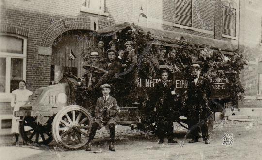 1918 Prachtige Renault Bus