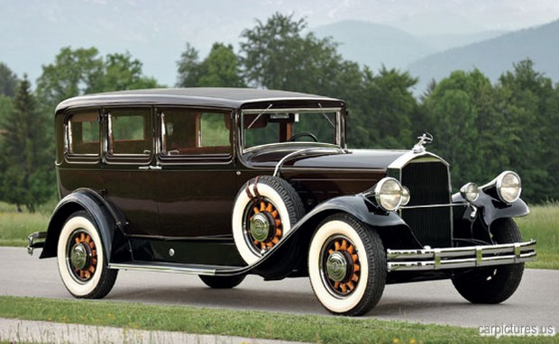 1930-Pierce-Arrow-Model-B-Five-Passenger-Sedan