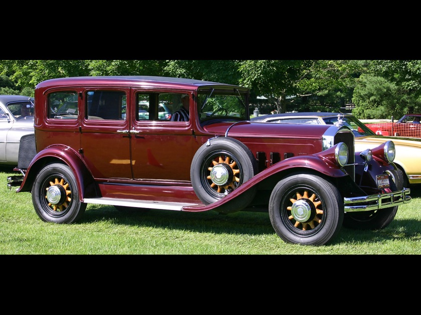 1931-Pierce-Arrow-Sedan-Maroon-