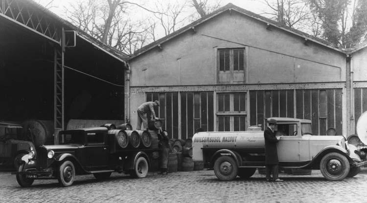 1932 Camions légers Renault type SX5 à plateau et OS4 citerne