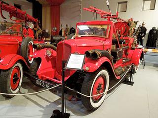 1932 RENAULT OS4 Autopompe Premier Secours