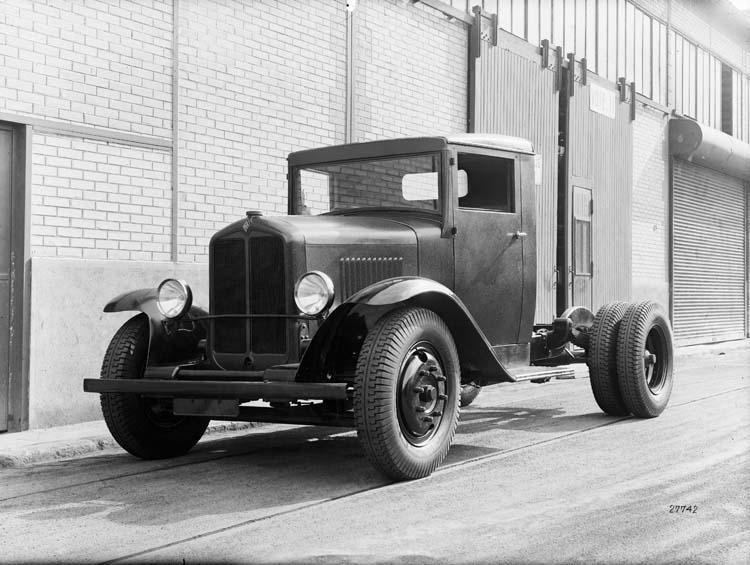 1932 Tracteur Renault semi-remorque type SZ