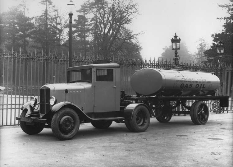 1932 Tracteur Renault semi-remorque type YG