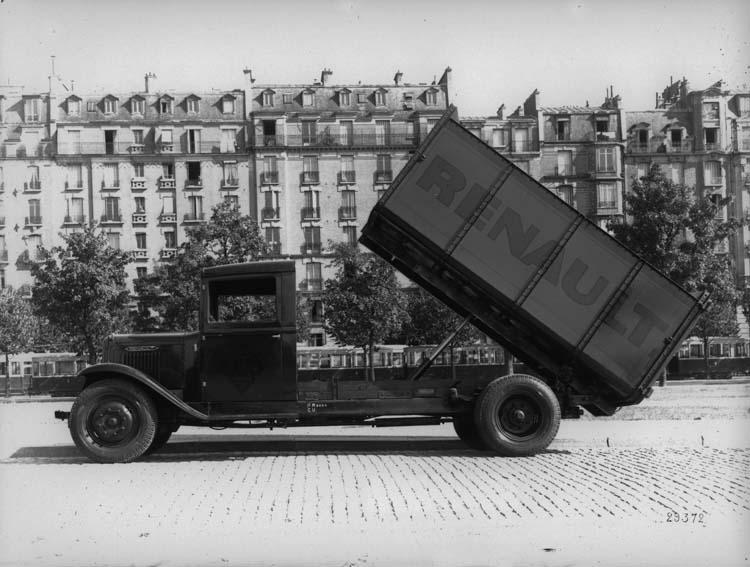 1934 Renault benne à vérin type YF 70 cv 4.5 tonnes