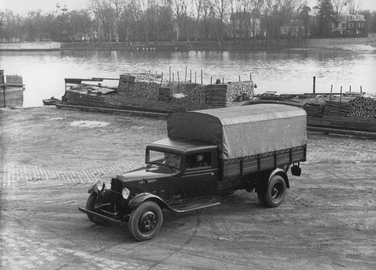1934 Renault type ZJC 43 cv 2.5 tonnes