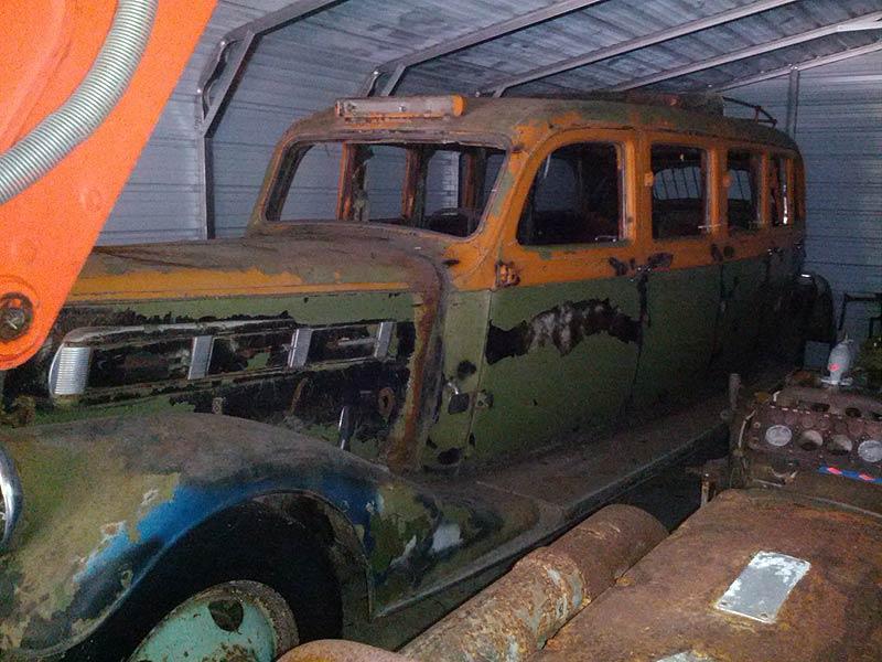 1935-pierce-arrow-bus-1
