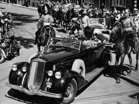 1936 Pierce Arrow with Franklin D Roosevelt